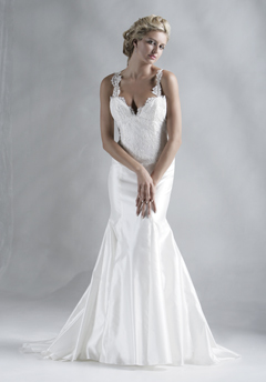chia lieu wedding dress