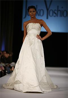 junko yoshioka wedding dress